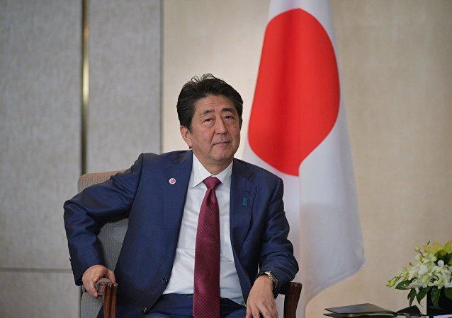 日本首相在與普京會談前夕在同事陪同下度過一晚