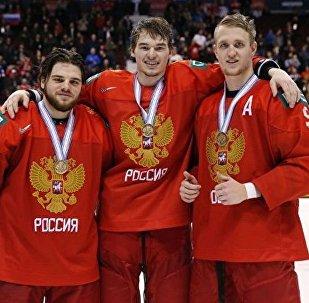 俄冰球青年隊在世錦賽上擊敗瑞士獲得銅牌