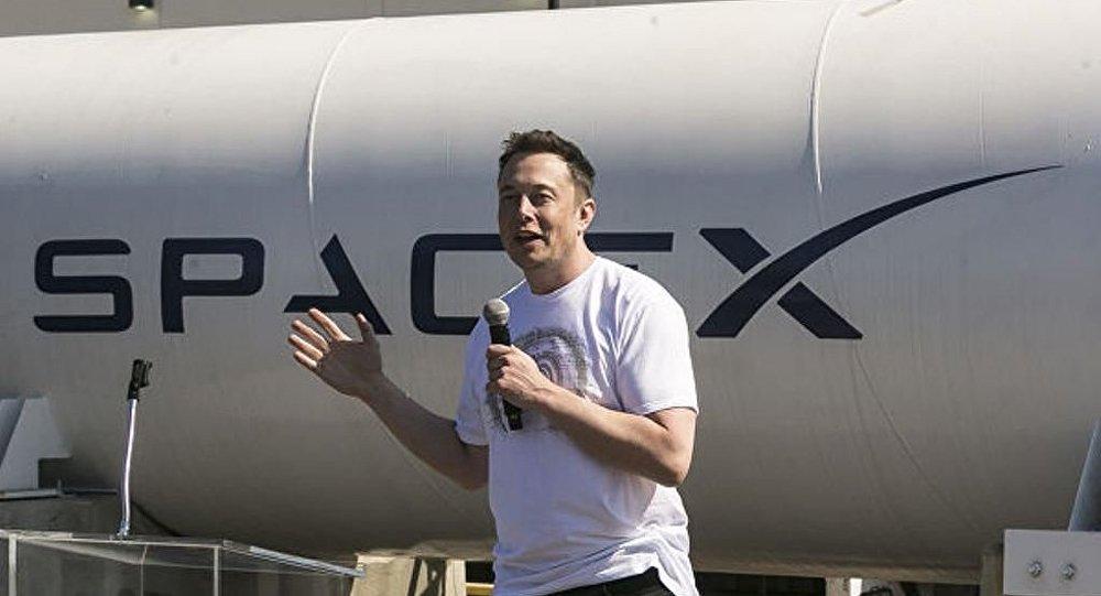 馬斯克的最大火箭的組裝照片意外出現在網上