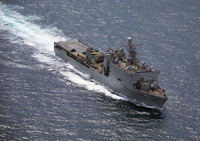 美國「麥克亨利堡」號(USS Fort McHenry)登陸艦