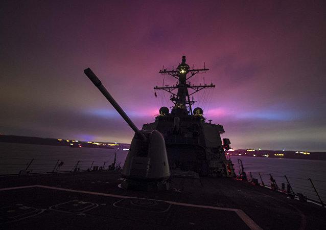 美国海军2018年试验从驱逐舰舰上装置发射高超音速炮弹