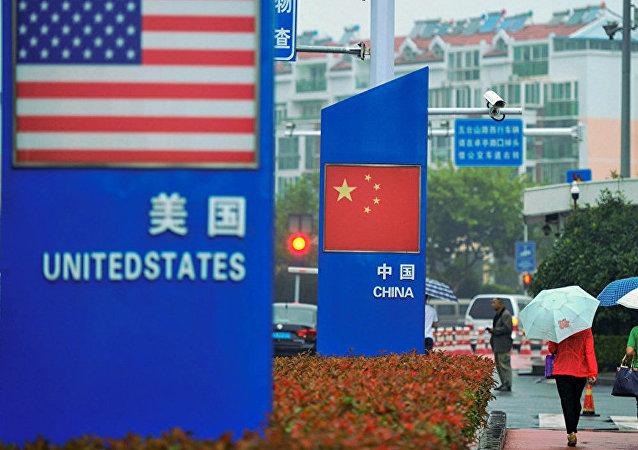 美国没有资格对主权国家做出与中国建交的决定说三道四