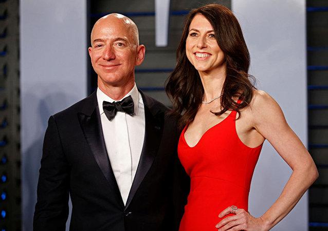 亞馬遜老闆離婚:付給自己妻子創紀錄的350億美元分手費