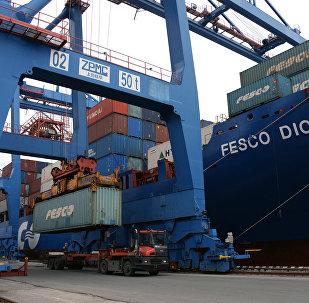 中国海关总署:前5个月中俄贸易额为424.6亿美元 同比增长4%