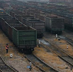 烏克蘭部長:基輔需要將貨物運往亞速海沿岸的替代道路