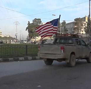 特朗普宣佈撤軍後美國卡車仍在曼比季巡邏