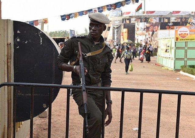 布基纳法索遭恐袭造成12人死亡