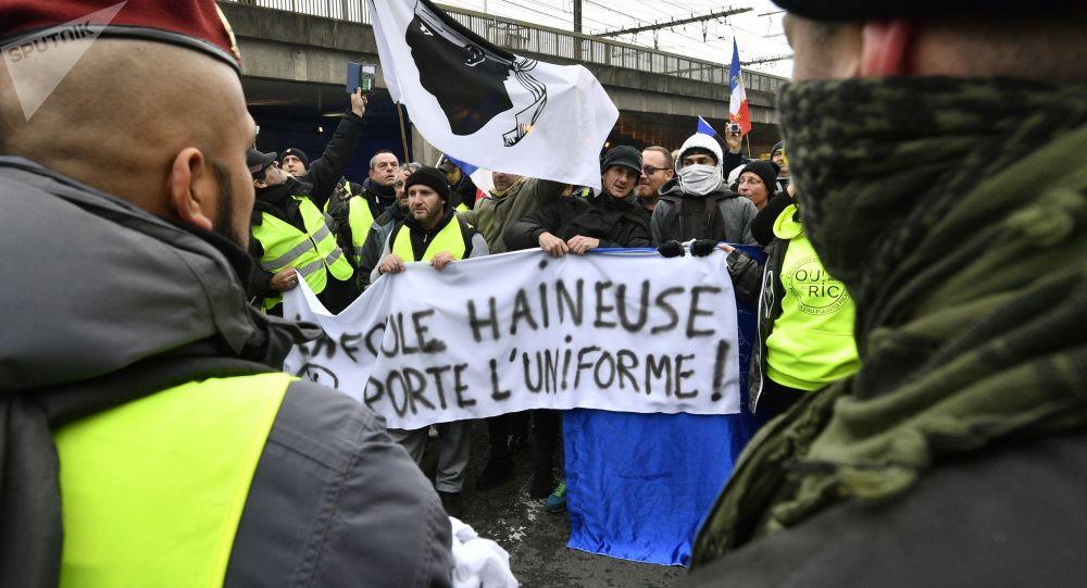 法国抗议活动被捕人数达240人 其中200人在押