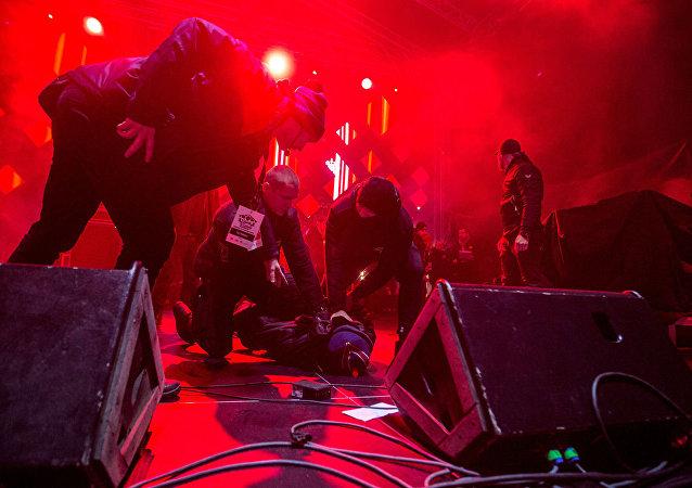 在波蘭格但斯克一場音樂會上襲擊該市市長帕維爾∙阿達莫維奇的男子被拘留