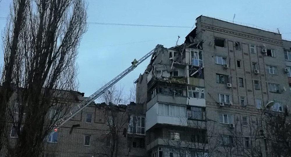 沙赫塔市高楼燃气爆炸废墟中找到一遇难者尸体
