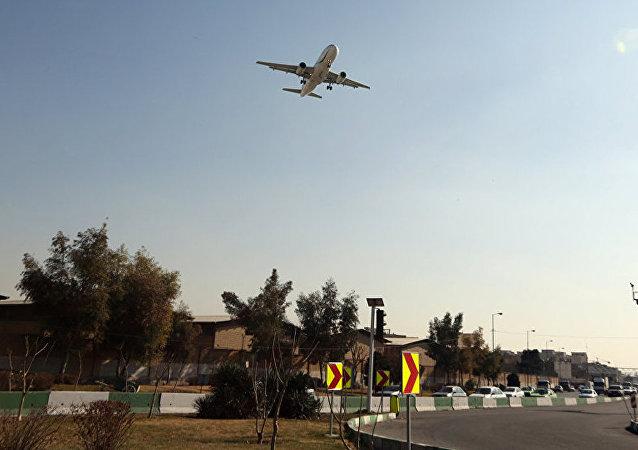伊朗失事货机黑匣子在坠机现场被找到
