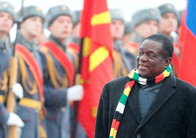 津巴布韦总统称该国期望未来在军队现代化升级方面得到俄方支持