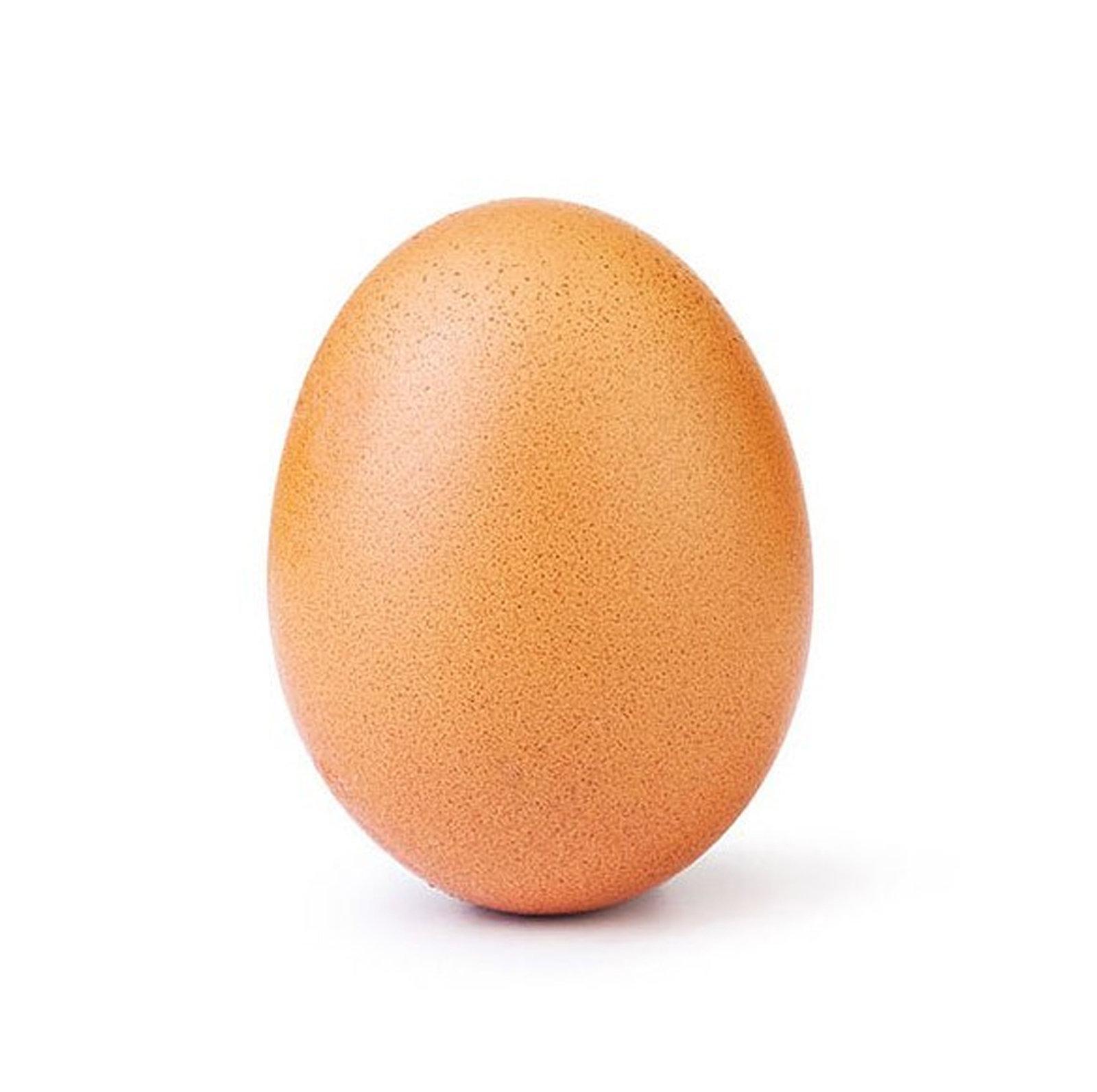 美名模凯莉·詹娜Ins最多人点赞纪录被一颗蛋打破