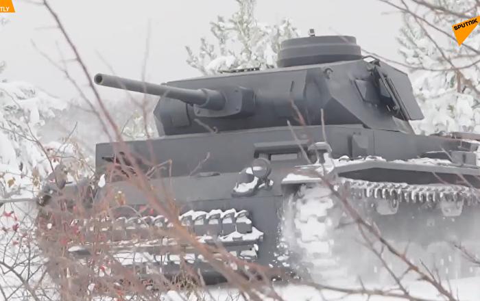 俄旧奥斯科尔市现德国3号坦克复制品