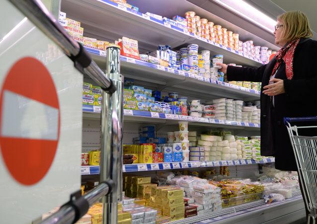 Литовская молочная продукция в московском супермаркете