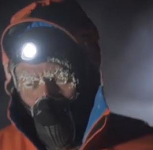 极限运动员在俄雅库特零下60度严寒中长奔50公里