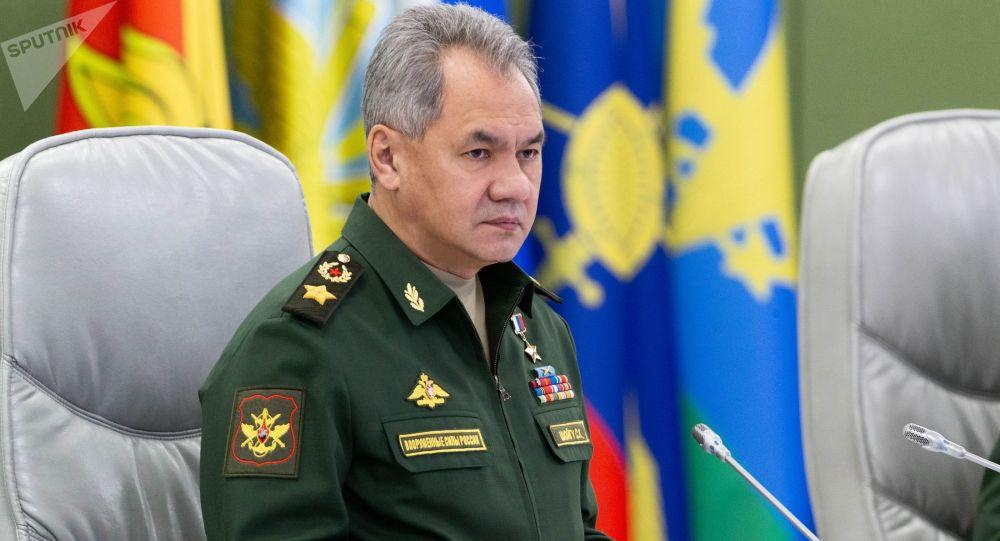 俄防长下令要在最短时间内使深潜器归役