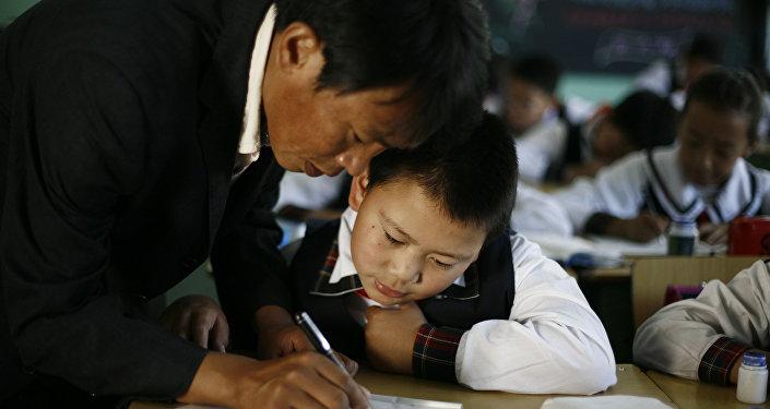 出生率下降自我意識上升:中日青年人傾向於孤獨和職業生涯