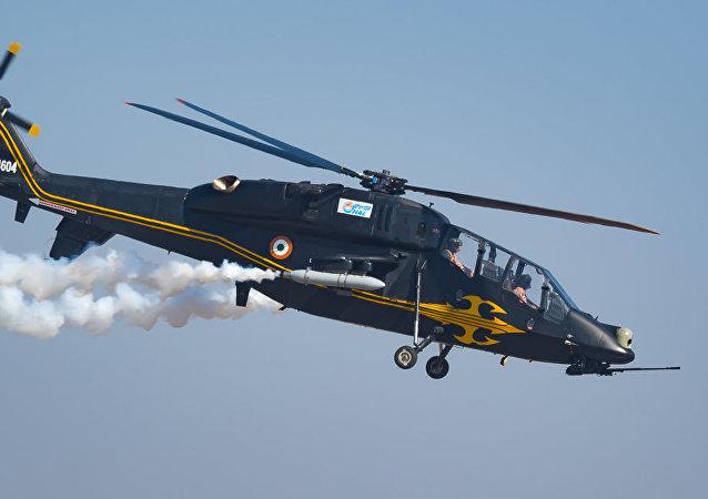 印度首架國產攻擊直升機接受實彈測試