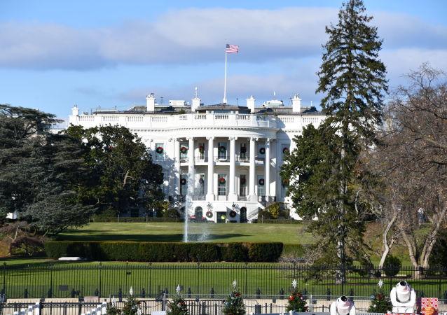 众议员试图威胁特朗普及其政府