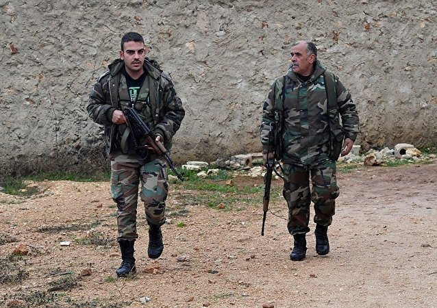 敘利亞政府軍人在曼比季