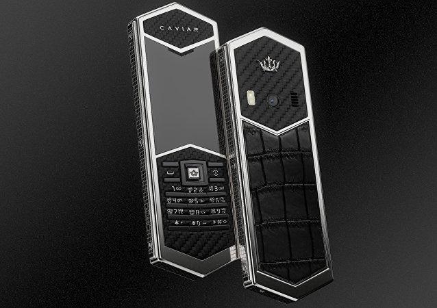 俄羅斯推出「手機之王」奢華按鍵手機