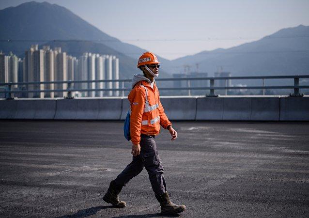 香港耗资46亿美元的车用隧道开通