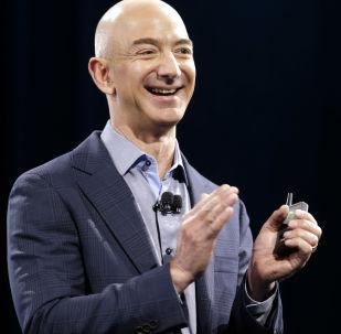 全球首富亚马逊公司首席执行官杰夫·贝索斯