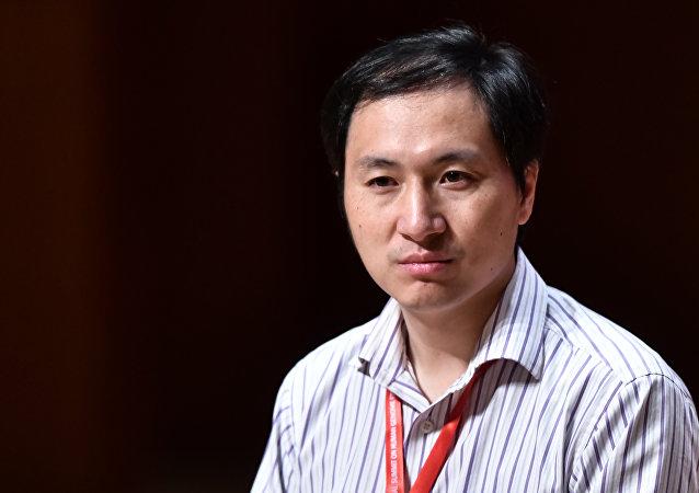 广东初步查明基因编辑婴儿事件:贺建奎私自组织