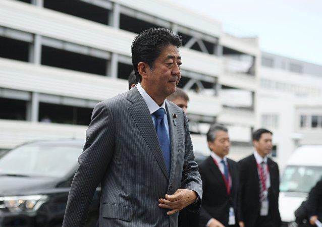 日本首相在小学生遇袭事件后下令保障儿童上学路安全