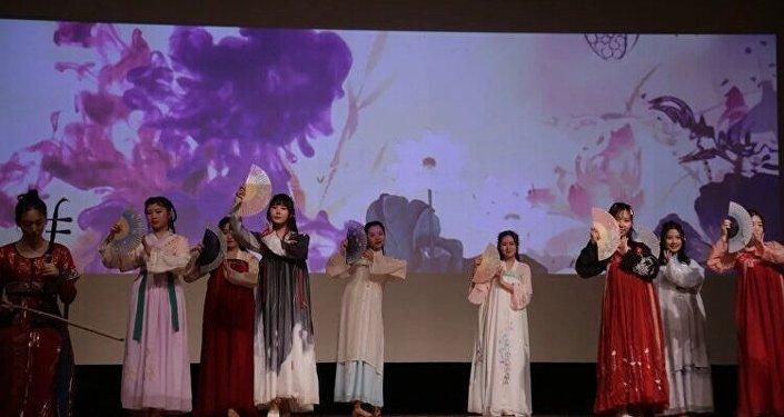 留俄學生春晚上精彩的節目演出瞬間