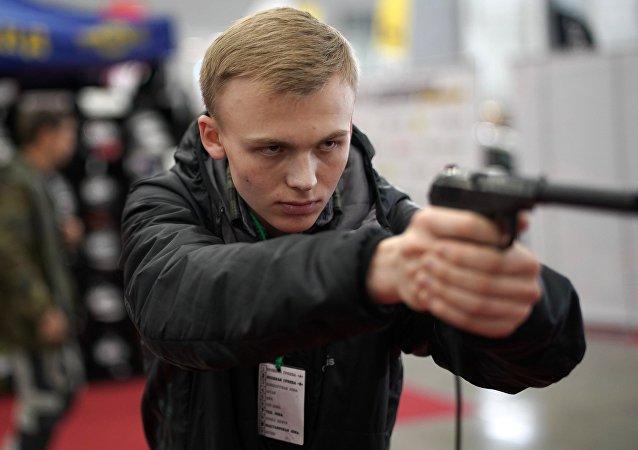 Udav手枪量产春季启动 将取代马卡罗夫手枪