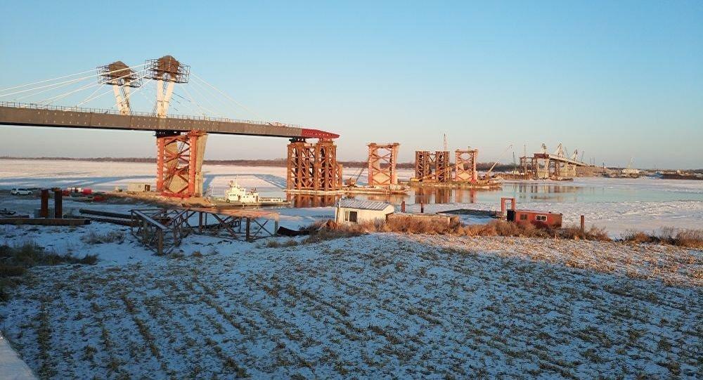 阿穆爾河(黑龍江)公路大橋建設