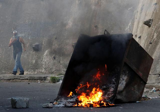 委內瑞拉抗議活動期間約30人被拘