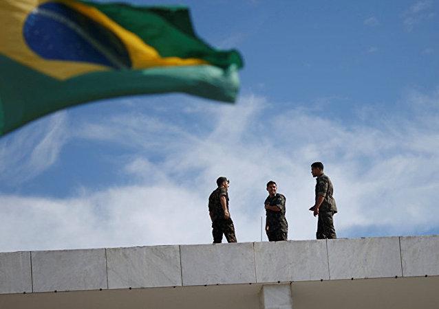 巴西政府将向国家石油公司支付90亿美元以修改石油合同