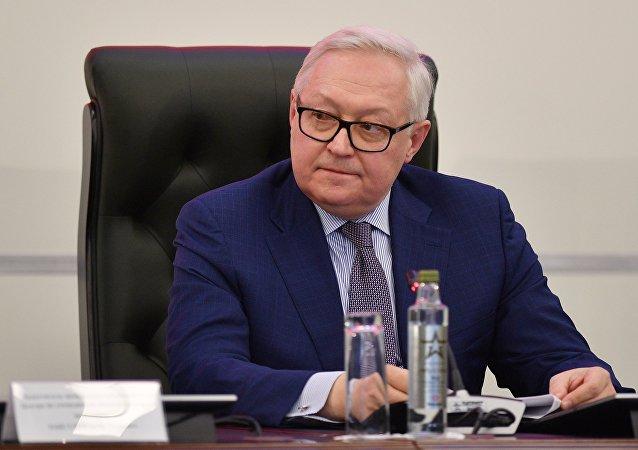 俄外交部:俄方正告不要试图将阿曼湾油轮事件归咎于伊朗