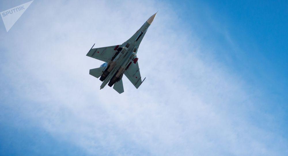 苏-27战机