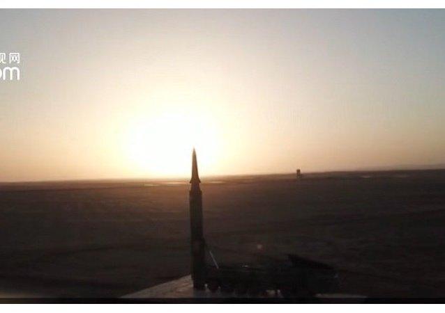 东风-26弹道导弹发射画面首次曝光 弹头细节清晰-- 小央视频