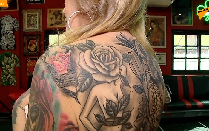 世界上纹身最多的老妇人