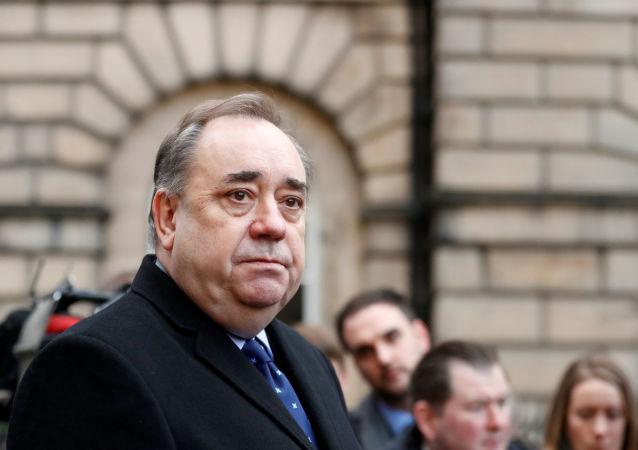 苏格兰政府前任首席大臣亚历克斯∙萨尔蒙德被捕