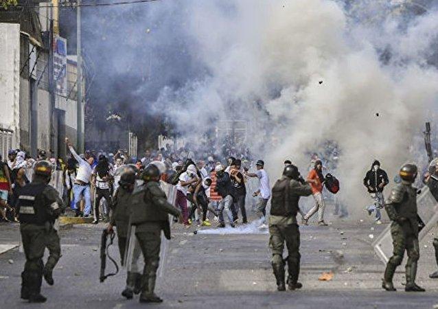 中国外交部:委内瑞拉事务必须也只能由委人民决定