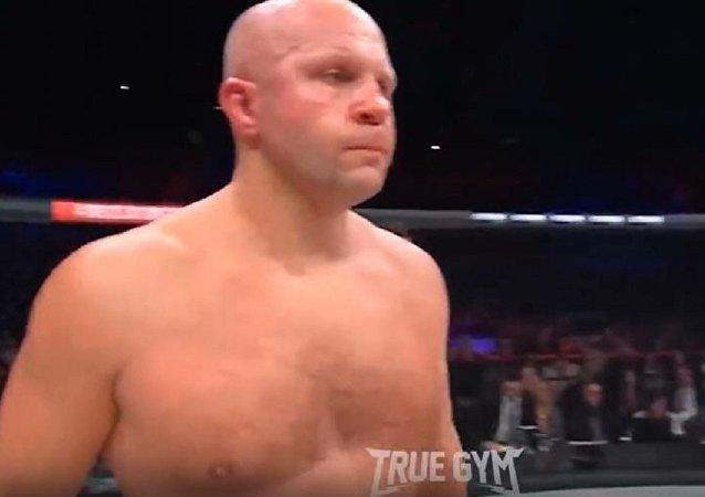 美國拳擊手34秒種淘汰葉梅利年科