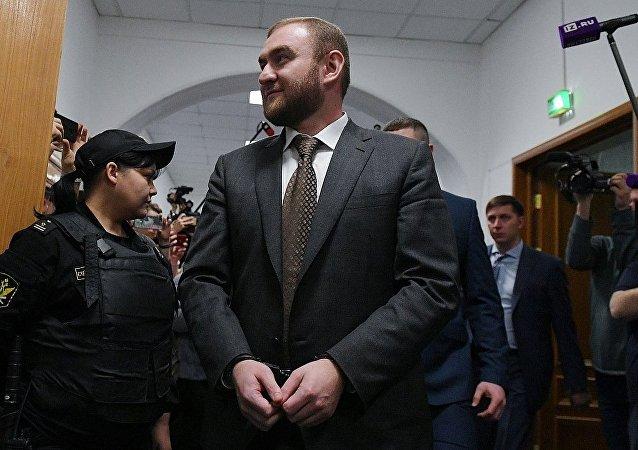 俄议员阿拉舒科夫因涉黑及谋杀被羁押
