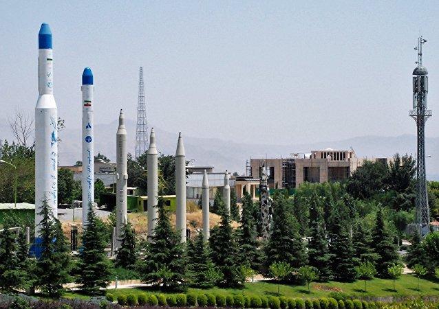 媒體:伊朗展示新型遠程巡航導彈