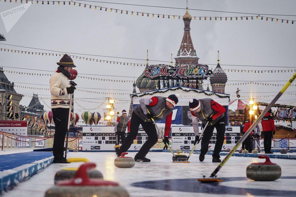 红场上的冰壶赛