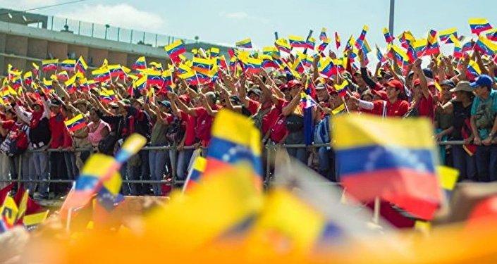 美国和哥伦比亚领导人宣布打算对抗马杜罗及其盟友
