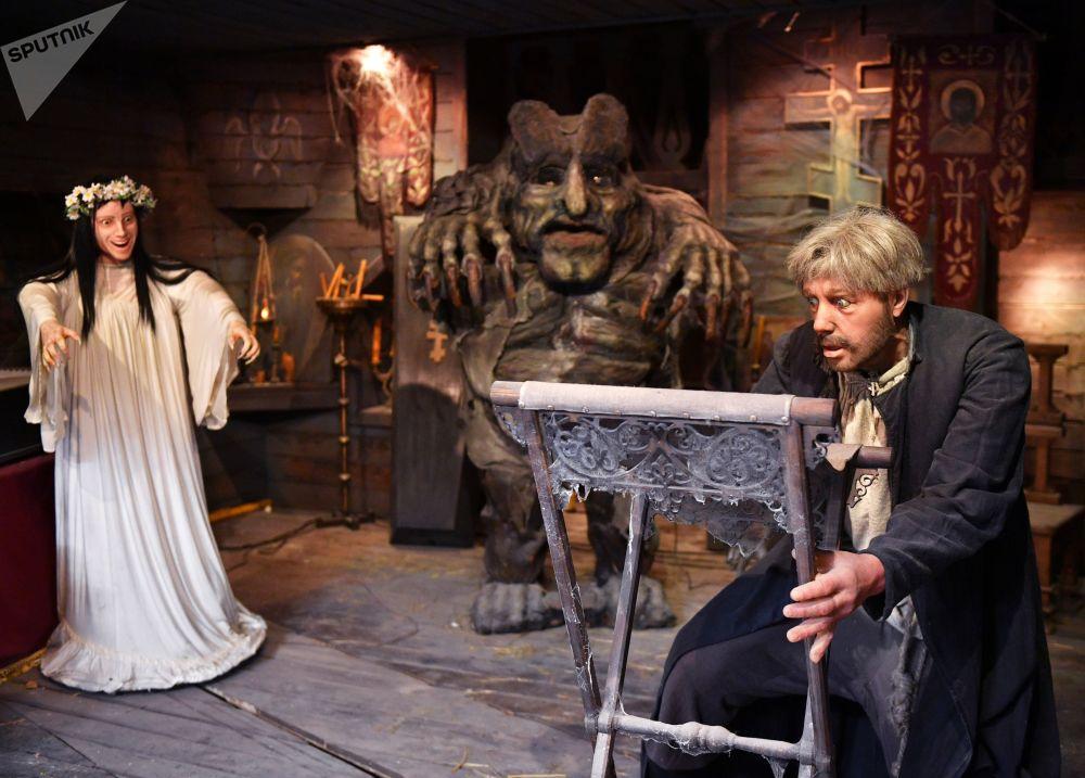 影片《魔鬼的精神》在莫斯科電影製片廠博物館裡的活動展示