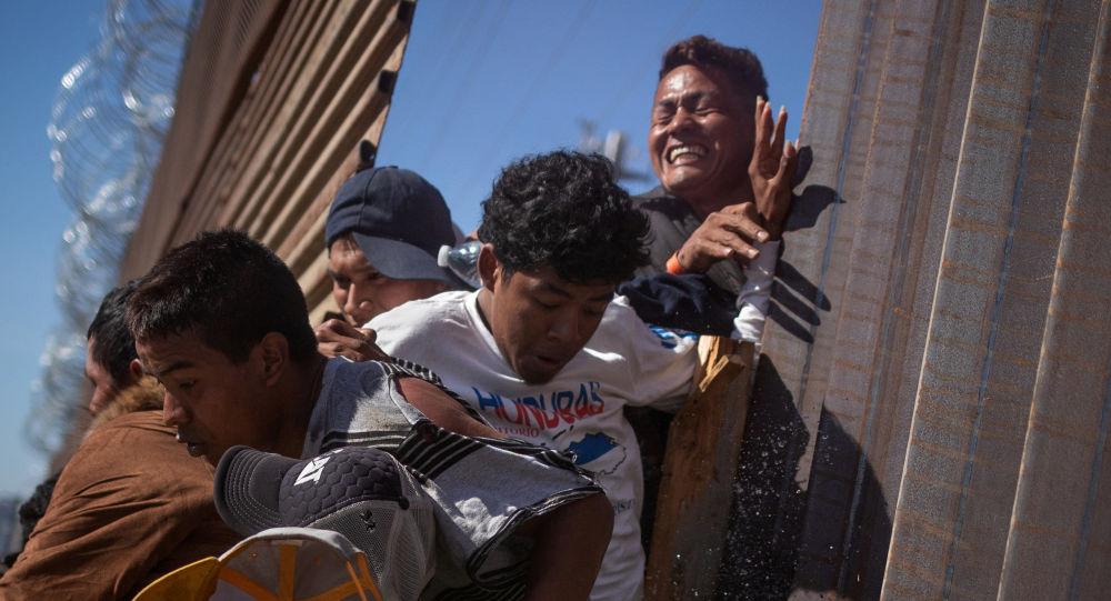 特朗普:美国14日起将在全国范围展开针对非法移民的执法行动
