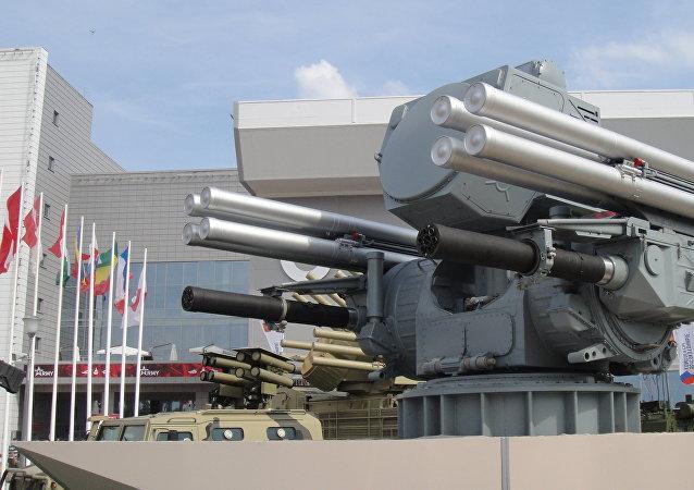 俄羅斯「鎧甲-МЕ」艦載防空導彈和高射炮綜合系統:首次在國外亮相
