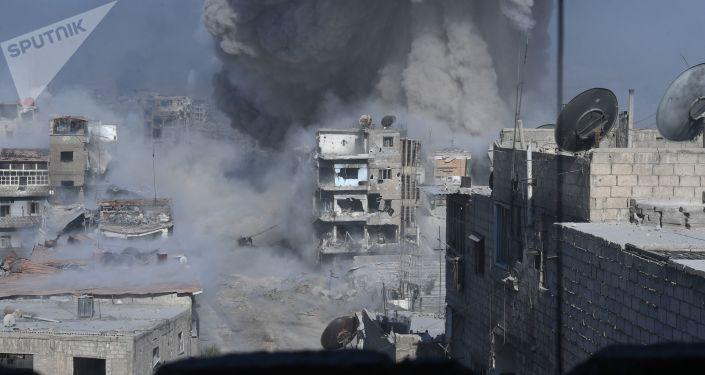 美國為首的國際聯軍空襲敘利亞代爾祖爾省,造成至少70人死傷